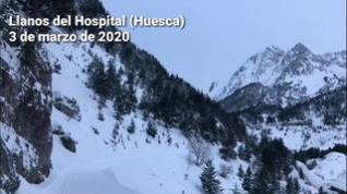 Llanos del Hospital (Huesca) amanece cubierto de nieve