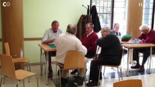 """Los 'valientes' de los centros de mayores: """"Hoy no hay ni la mitad de la gente jugando al guiñote"""""""