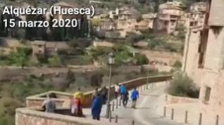 """Una vecina de Alquézar, a quienes pasean por la calle: """"A casa, dais vergüenza"""""""