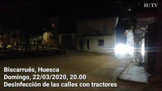 Coronavirus: Los tractores desinfectan las calles de Biscarrués