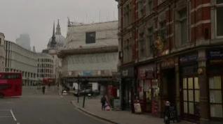 Reino Unido cierra los bares y restaurantes como medida para frenar el contagio