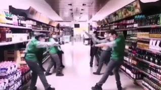 Trabajadores de Mercadona en Huesca plantan cara al coronavirus con un baile
