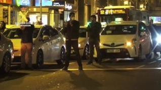 Homenaje de los taxistas de Zaragoza a la Guardia Civil en Zaragoza