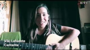 Música en tiempos de coronavirus con Viki Lafuente versionando a '4 Non Blondes'