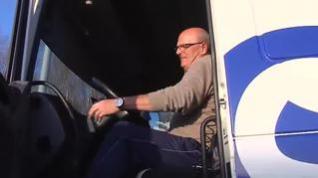 Los transportistas sobreviven estos días en sus camiones para que no falte de nada