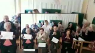 Los ancianos de la residencia de Altorricón graban un vídeo para que sus familias sepan que están bien
