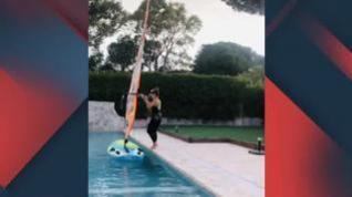 Así entrena la campeona del mundo de windsurf... en su piscina