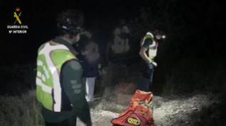 La Guardia Civil rescata a una persona que sufrió un accidente cuando caminaba por un monte