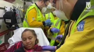 Una joven da a luz en plena calle en Madrid ayudada por los servicios de emergencia