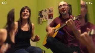 Pepín Banzo y Elena Suárez-Perdomo y su medley de 'Llamando a la Tierra' y 'Dance Monkey'