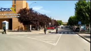 La Guardia Civil realiza controles a los jornaleros que acuden a recoger fruta en Huesca