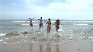 Chapuzones en las playas que pasan a fase 2