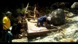 Al rescate de un trailer despeñado hace 50 años en el río Aguas Vivas