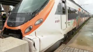 Al menos 15 heridos leves tras chocar un tren de Cercanías en Mataró