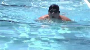 ¿Puedo contagiarme de coronavirus en la playa o la piscina?