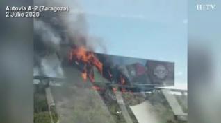 Incendio en el remolque de un camión en la A2