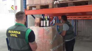 La Guardia Civil desarticula una red que revendía vino usando el timo del nazareno