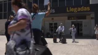 Llegan a Canarias los primeros turistas británicos