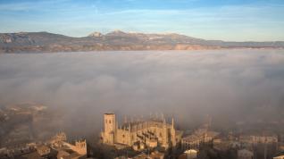 Huesca con niebla