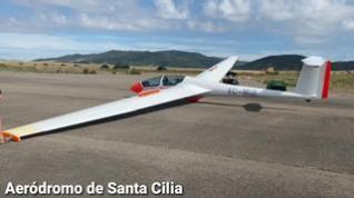 Los pilotos más jóvenes de vuelo sin motor se forman en el aeródromo de Santa Cilia