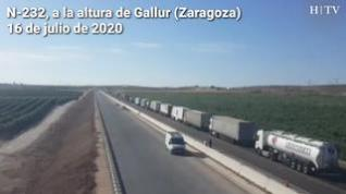 El vuelco de un camión provoca retenciones en la N-232, cerca de Gallur