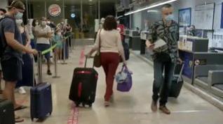 165 países imponen restricciones de viaje con España