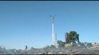 Los Bomberos dan prácticamente por controlado el incendio cerca del Canal Imperial