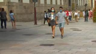 Uno de cada tres contagiados por coronavirus en julio era menor de 29 años