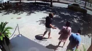 Así fue la agresión a tres turistas durante un intento de robo en Barcelona
