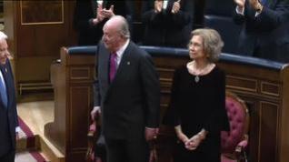 Más de 70 antiguos altos cargos firman un manifiesto de apoyo a Juan Carlos I