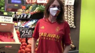Así luce la nueva camiseta de respeto 'tomate' del Real Zaragoza