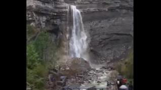 Así se ve la cascada del Sorrosal tras las últimas lluvias