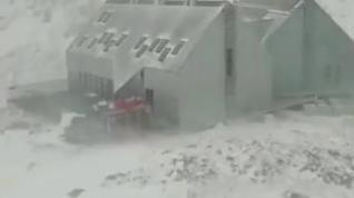 Continúan cayendo las primeras nevadas en el Pirineo aragonés