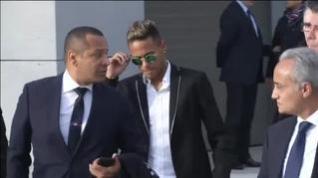 Neymar encabeza la lista de morosos de Hacienda