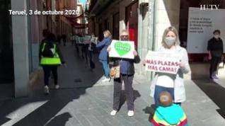 Una cadena humana recorre Teruel para exigir mejoras en el proyecto del hospital