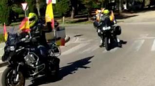 Vox se manifiesta en vehículo por las calles de Huesca