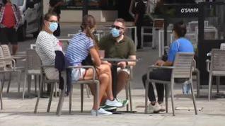 ¿Qué debemos hacer con la mascarillas si nos sentamos en la terraza de un bar?