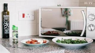 9 cosas que no puedes meter en un microondas... y que no sabías