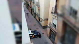 Herido de bala en San Pablo tras encañonar a viandantes y a dos agentes con un revólver