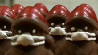 Los polémicos bombones de Santa Claus con mascarilla