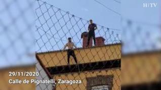 Detenidos tres okupas tras encaramarse a un tejado de Pignatelli y arrojar piedras y tejas a la calle
