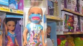 Los muñecos, con mascarillas y test PCR, también se adaptan a la Navidad