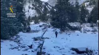 La Guardia Civil suspende las búsquedas de la montañera inglesa y del vecino de Artosilla
