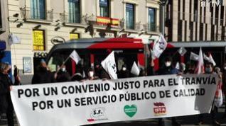 """Los trabajadores del tranvía exigen un convenio """"justo"""" y actualizar los salarios"""