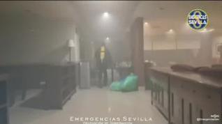 Incendio en una residencia de Sevilla: una mujer fallecida y 18 residentes ingresados