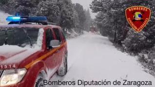 La carretera de San Martín de la Virgen de Moncayo, cortada por la nieve