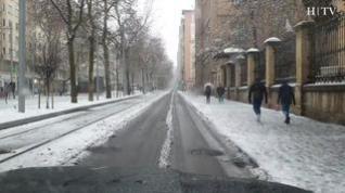 Así se ve la nieve en Zaragoza desde el coche