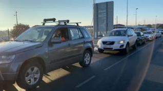 Caravana de coches de los valles del Pirineo para pedir un plan de rescate