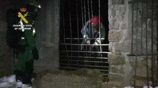 La Guardia Civil rescata a un pastor que se encontraba aislado por la nieve en Azuara