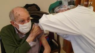 Residentes, sanitarios y mayores de 80 años... ¿Quién se vacunará después?